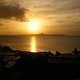 沖縄美ら海水族館から見た夕日